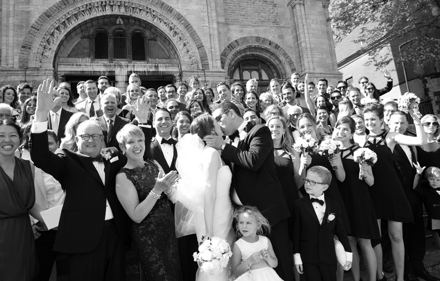 How to choose the best wedding photographer for your Montreal wedding